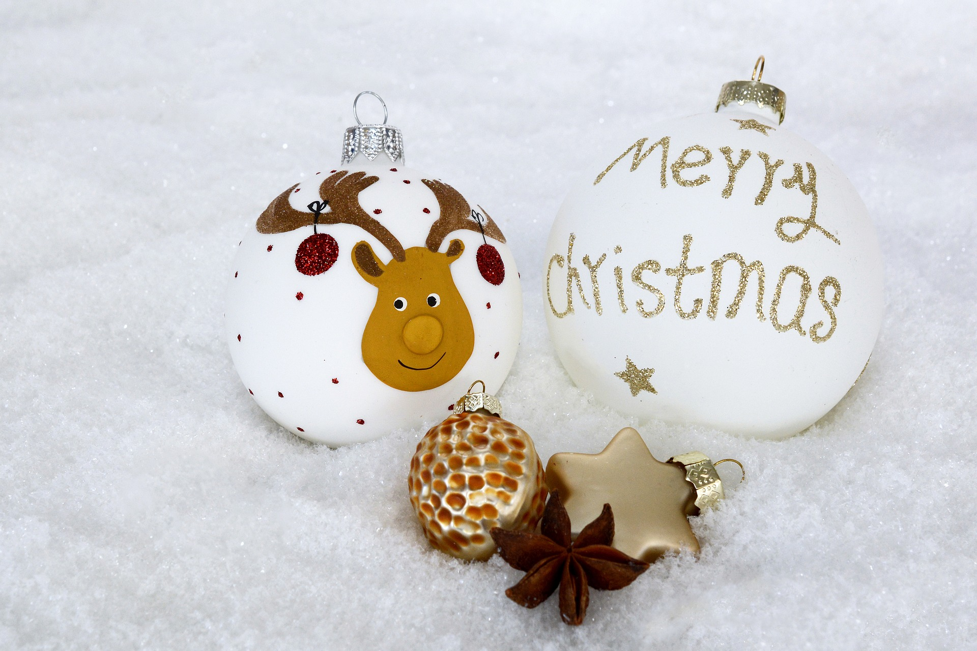 christmas-bauble-2956232_1920